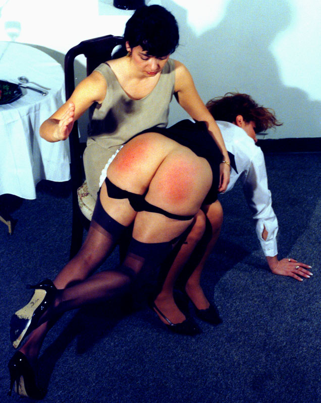 free spanking picture girl gets spanked on her bare ass