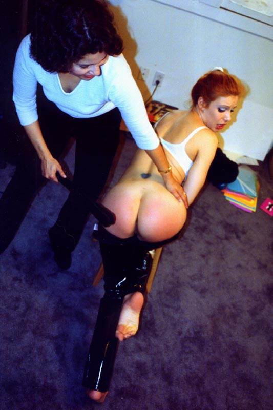 free spanking pictures Eve Ellis spanked